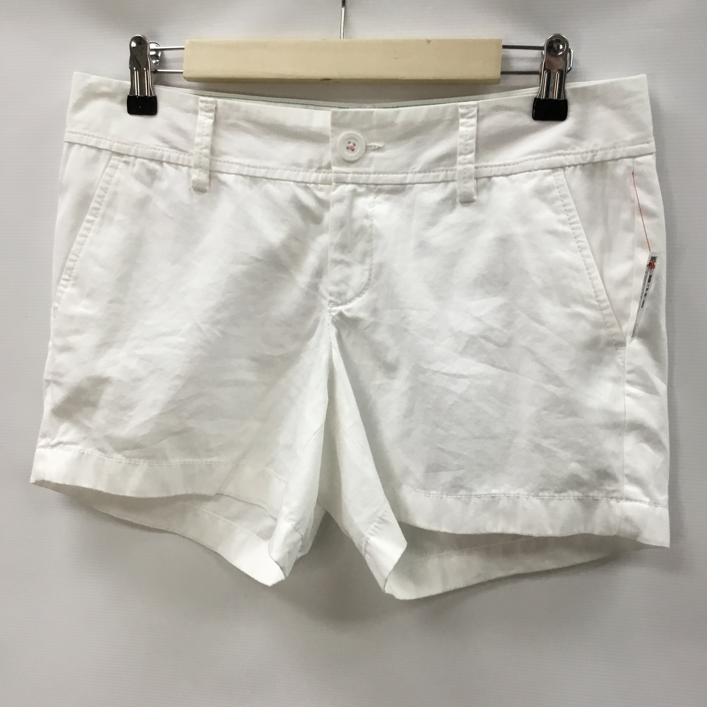 Primary Photo - BRAND: LILLY PULITZER <BR>STYLE: SHORTS <BR>COLOR: WHITE <BR>SIZE: 4 <BR>SKU: 194-194183-21957