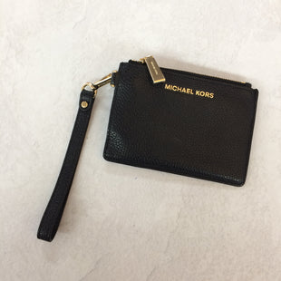 Primary Photo - BRAND: MICHAEL KORS STYLE: WRISTLET COLOR: BLACK SIZE: S SKU: 194-194220-4426