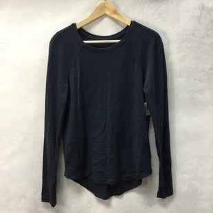 Primary Photo - BRAND: LULULEMON STYLE: ATHLETIC TOP COLOR: NAVY SIZE: 6 SKU: 194-194183-22125