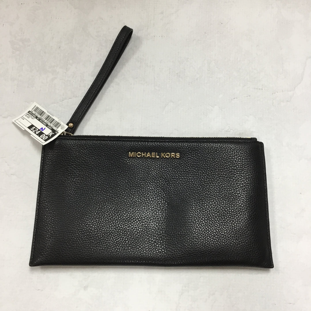 Primary Photo - BRAND: MICHAEL BY MICHAEL KORS <BR>STYLE: WRISTLET <BR>COLOR: BLACK <BR>OTHER INFO: 10 IN X 5.5 IN<BR>SKU: 194-194167-30800