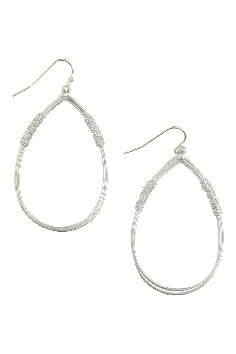 Silver Rib Detail Metal Earrings - Kenzie Tenzie