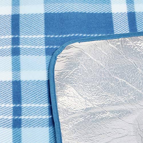 AmazonBasics Picnic Blanket with waterproof backing, 150 x 195 cm - Shoppersbase