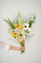 Load image into Gallery viewer, Designer's Choice Bouquet