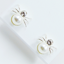 Load image into Gallery viewer, Spider Earrings