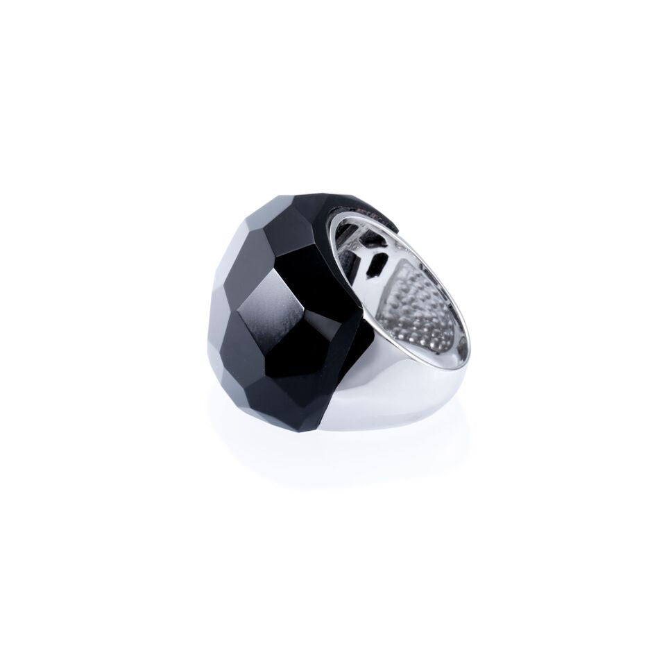 Lattice Round Cocktail Ring with black agate