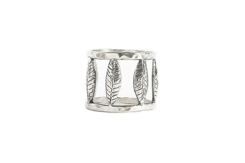 7 Feather Ring