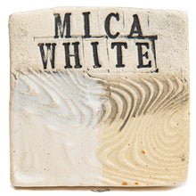 SP533 Mica White