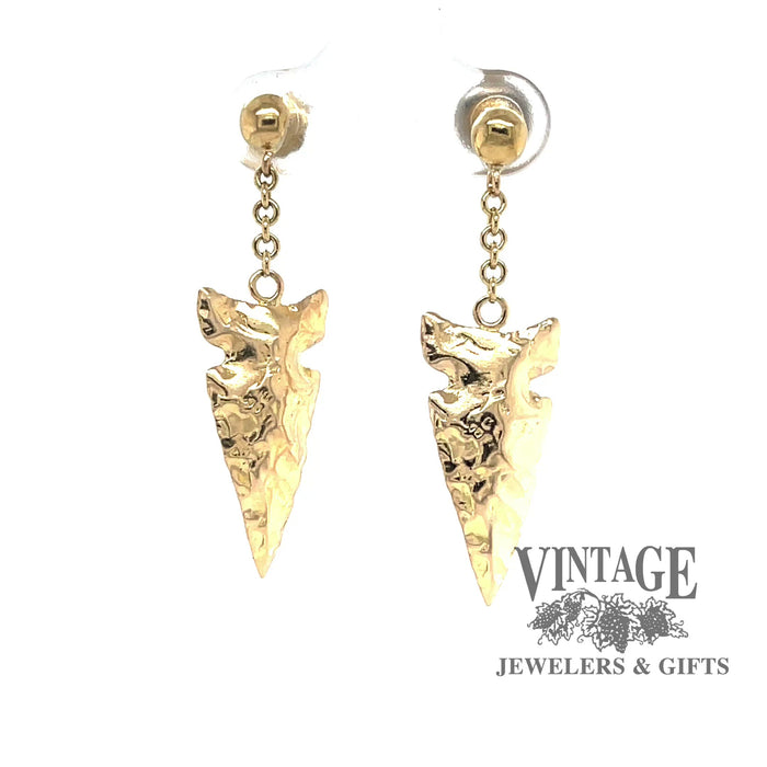 Revolving video of  arrowhead drop earrings in 14k gold