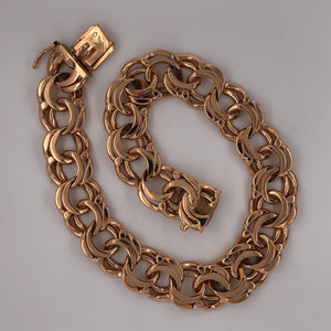 "Picture of 18K yellow gold  8-7/8"" wide bismarck link bracelet."