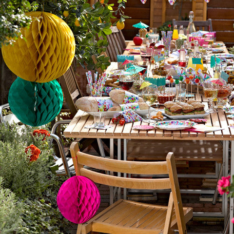 Hen party ideas top 10 ideas for a hen party at home for Hen party at home decorations