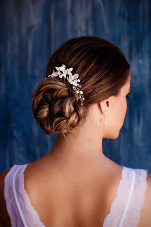 Floral bridal hair comb Wedding headpiece. Includes shipping - Expressions2u