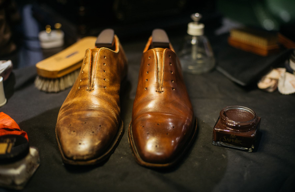 Shoe restoration and cleaning by Saphir