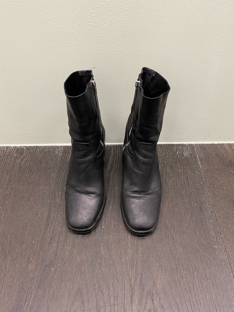 Lokas Soft Leather Boots