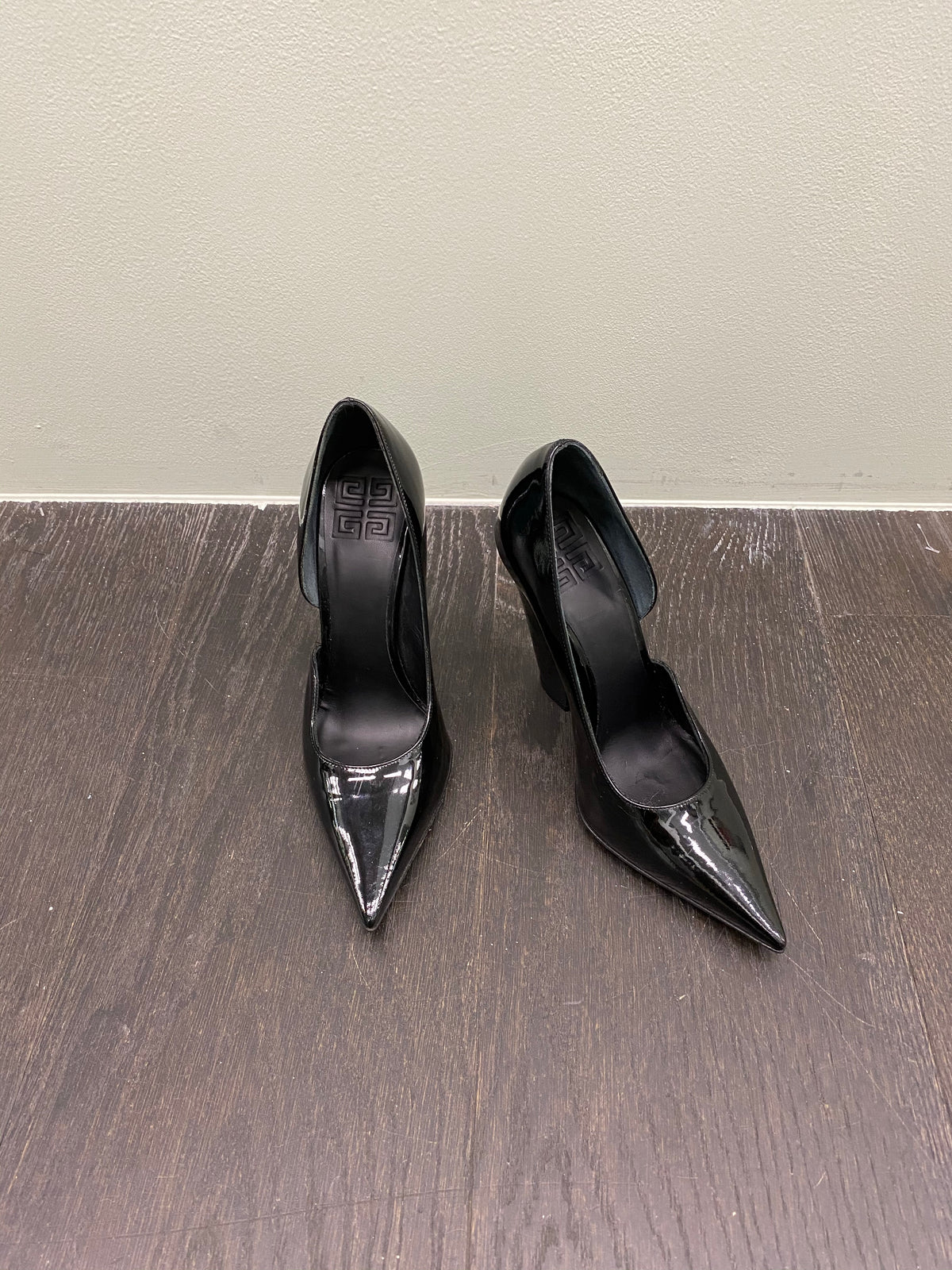 Givenchy Striking Pointed Heels
