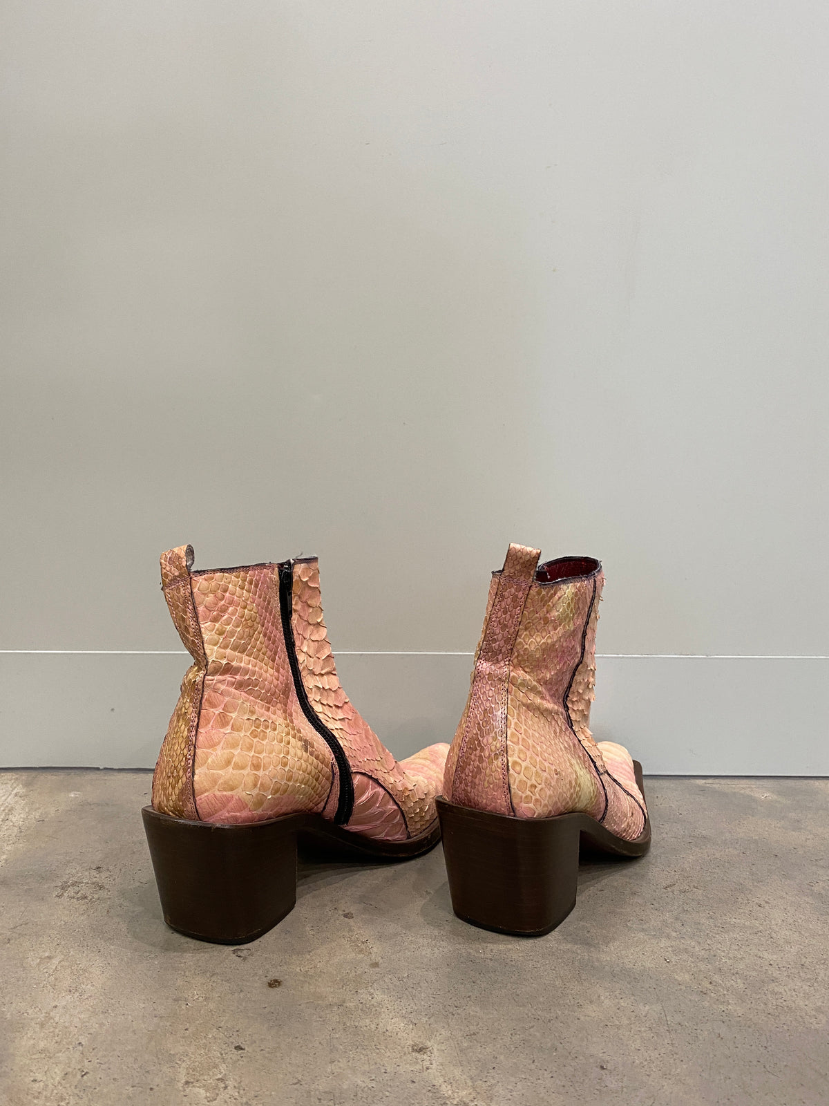 Vintage Peachy Pink Croc Scale Boots