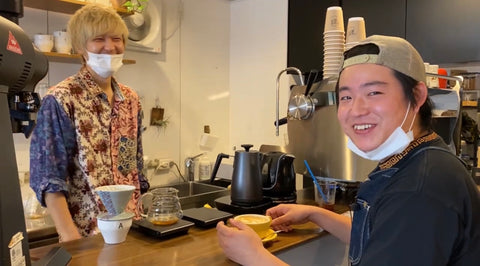 WAKOCOFFEE 荻原さんとCAFE TALES店長の村上