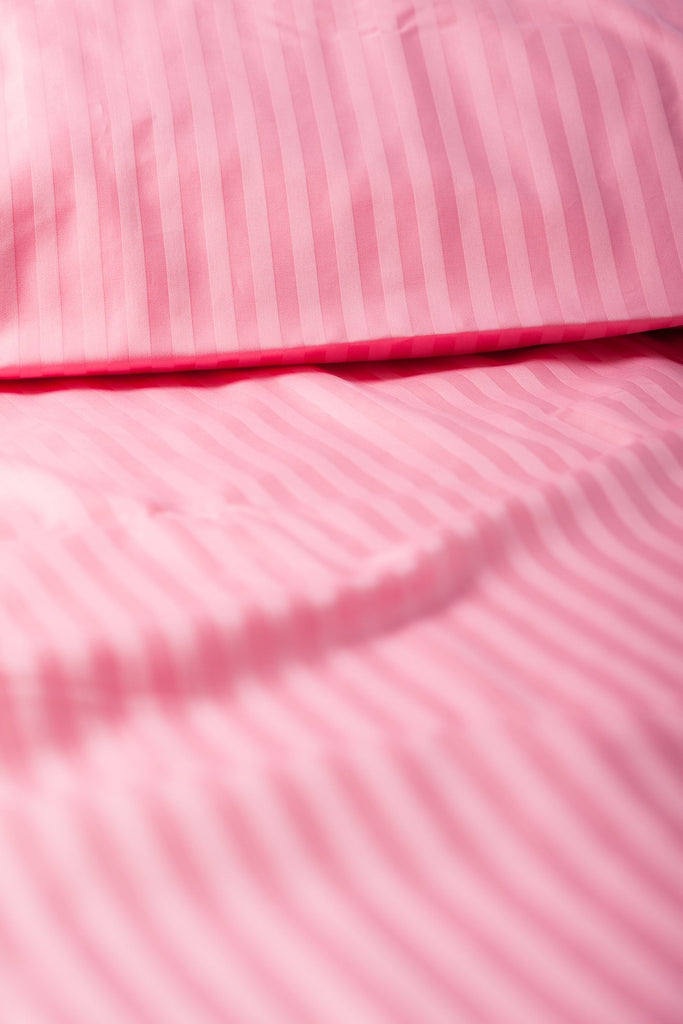 """Rose"" Damask Stripe Organic Cotton Sateen Fitted Sheet - Dreamdesigns.ca"