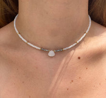 Load image into Gallery viewer, Beaded Choker