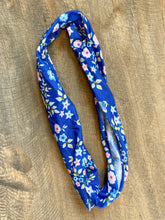 Load image into Gallery viewer, Thin Headband - Blue Flowers