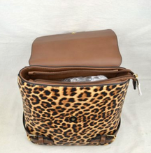 Load image into Gallery viewer, Animal Print Convertible Purse/Handbag