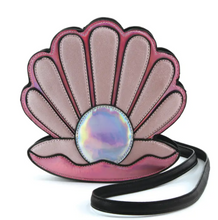 Load image into Gallery viewer, Pearl + Clamshell Crossbody Purse