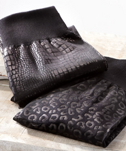 Load image into Gallery viewer, Embossed Fleece Lined Leggings