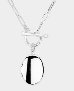 Metal Oval Lock Toggle Silver Necklace