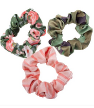Load image into Gallery viewer, Scrunchies- Set of 3