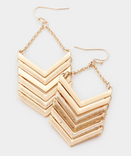 Load image into Gallery viewer, Chevron Link Earrings