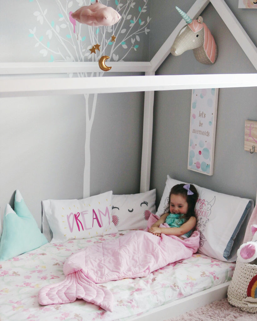 Room Tour: Lola's Dreamy House Bed