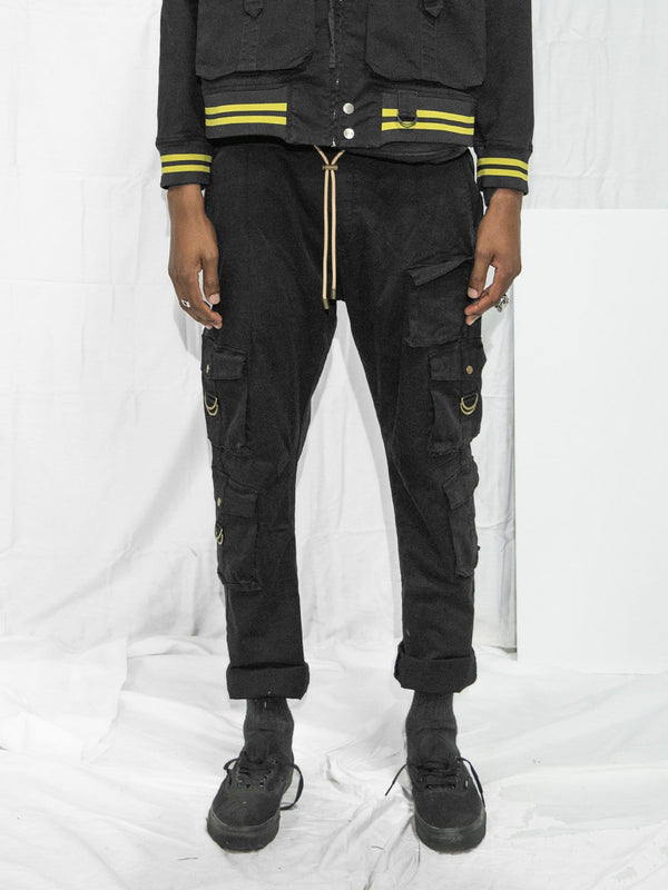 Multi-Cargo Pants in Black