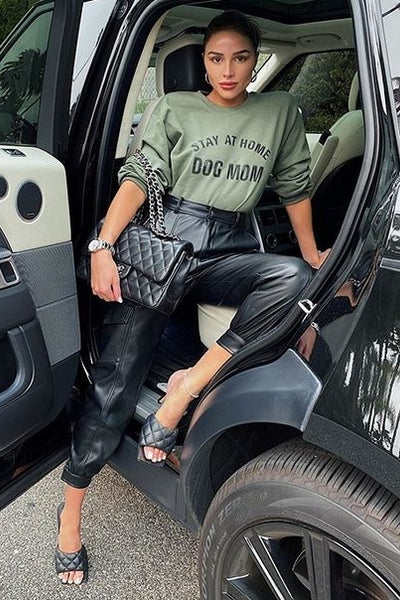 Olivia Culpo's Green 'Dog Mom' Crewneck Sweatshirt - September 12, 2020
