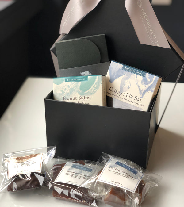 Small Luxury Giftbox: 6 piece bonbon box, 5 snack bags / boxes of confection