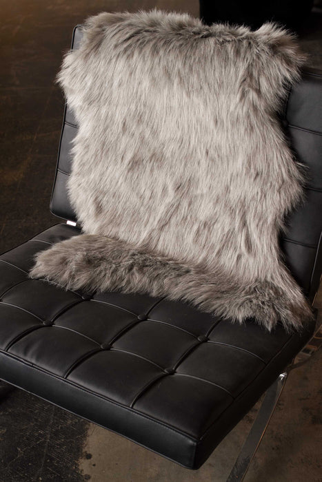 "HomeRoots 24"" x 36"" x 1.5"" Gray Sheepskin Faux Fur Single - Area Rug"