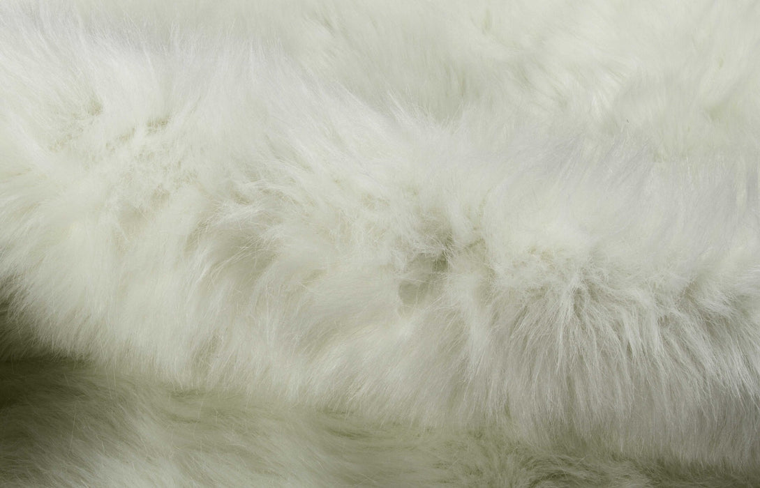 "HomeRoots Faux Cowhide Rug 4'.25"" x 5' - Off White"