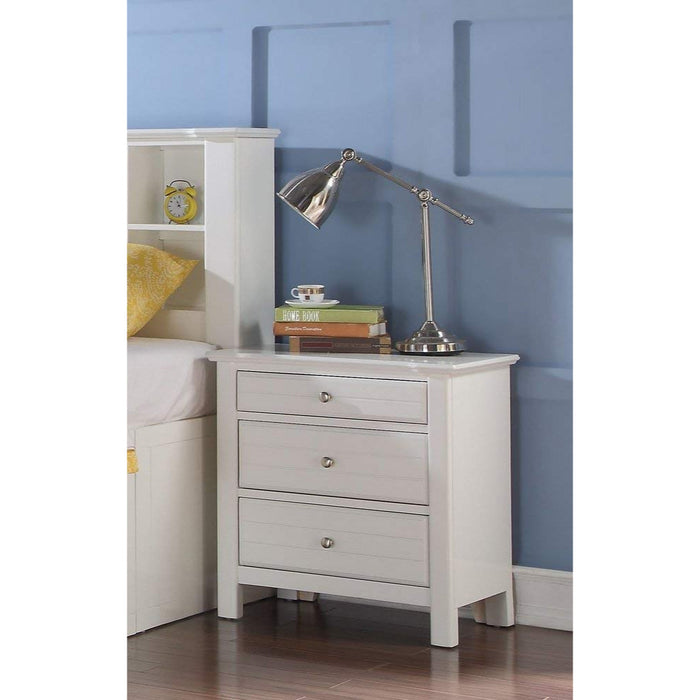 HomeRoots Office Three Drawer Nightstand With Silver Metal Pull Out Knobs, White