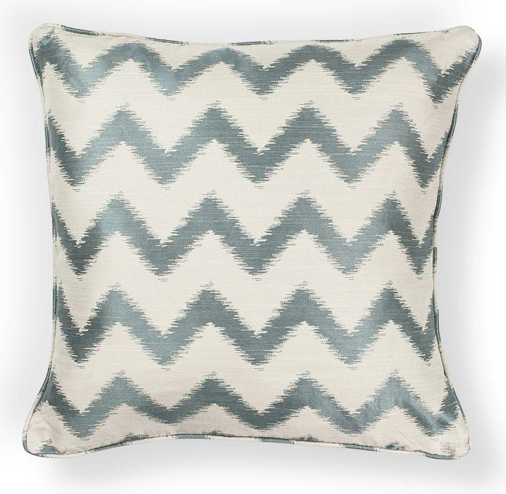 "HomeRoots 20"" x 20"" Polyester Ivory/Lt.Blue Pillow"