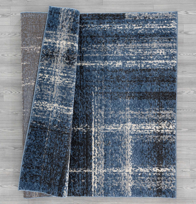 "HomeRoots 31"" x 50"" x 0.5"" Midnight Blue Polypropylene Accent Rug"