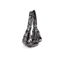 Laden Sie das Bild in den Galerie-Viewer, Crossbag - Softshell Hundetasche - Camouflage