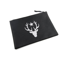 Laden Sie das Bild in den Galerie-Viewer, Pouch - Glamour Deer