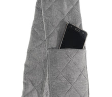 Load image into Gallery viewer, Crossbag - Quilted dog bag - classically elegant