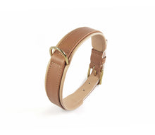 Laden Sie das Bild in den Galerie-Viewer, Handcrafted - Halsband Klassik Curved Cognac Edition