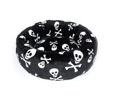 Laden Sie das Bild in den Galerie-Viewer, Soft Big Donut - Skull Hundebett