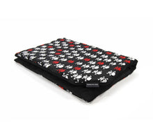 Laden Sie das Bild in den Galerie-Viewer, BlaMa - Blanket Mat - Cotton Plush Skull