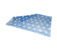 Laden Sie das Bild in den Galerie-Viewer, Star Snuggle Blanket 2-Ply Super Soft