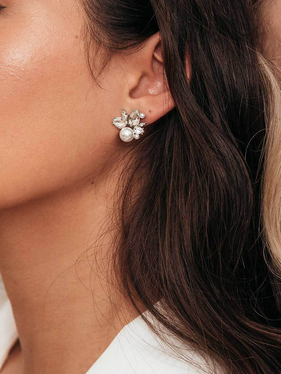 Olive & Piper Silver 'Bordeaux' Pearl Cluster Stud Earrings