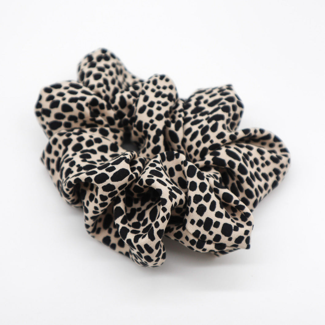 The cheetah scrunchie