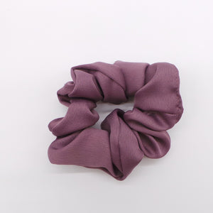 The Deluxe Plum Scrunchie