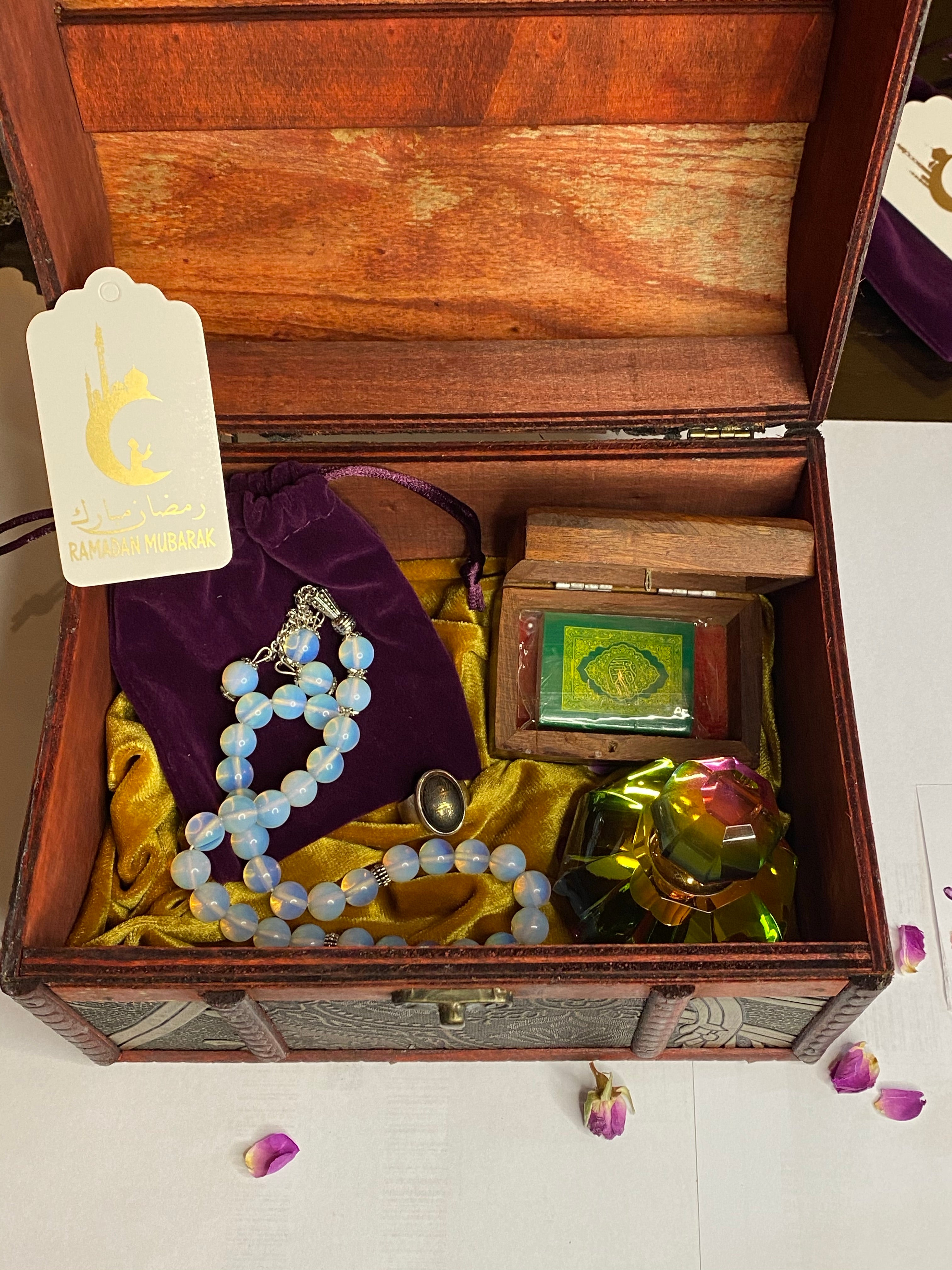 Ramadan classic gift package with natural stones