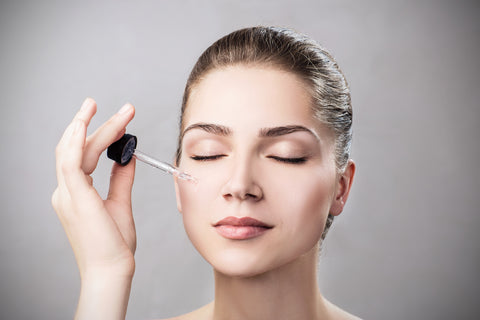 """6 """"essential"""" differences between face oils & essential oils – Plum Goodness"""